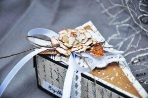 Tort papierowy. Pomysł na prezent na Dzień Babci i Dziadka.